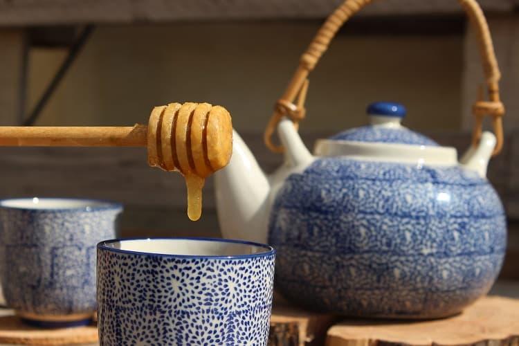 infusión de miel y limón beneficios
